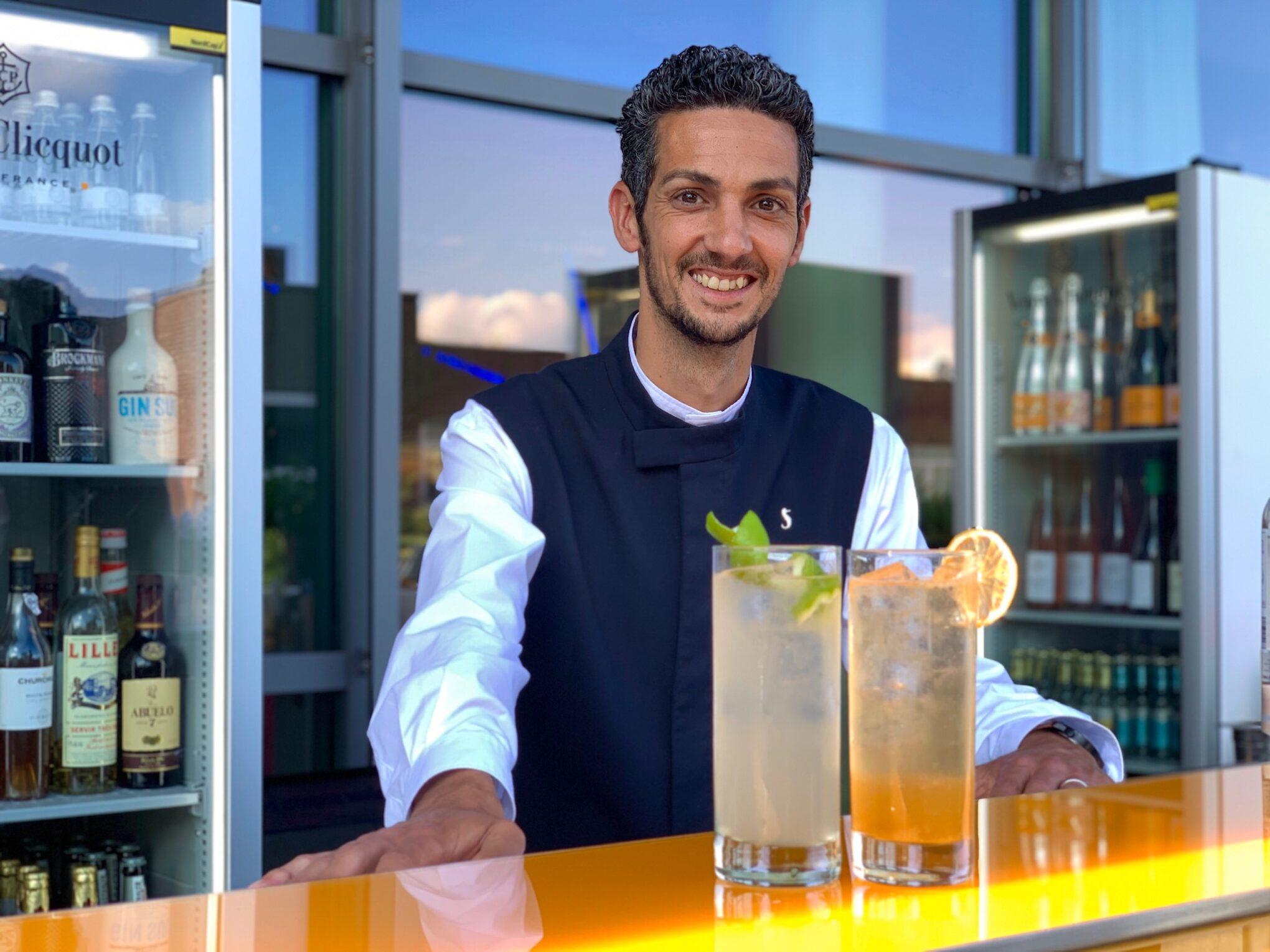 SIDE Hotel Bar Service