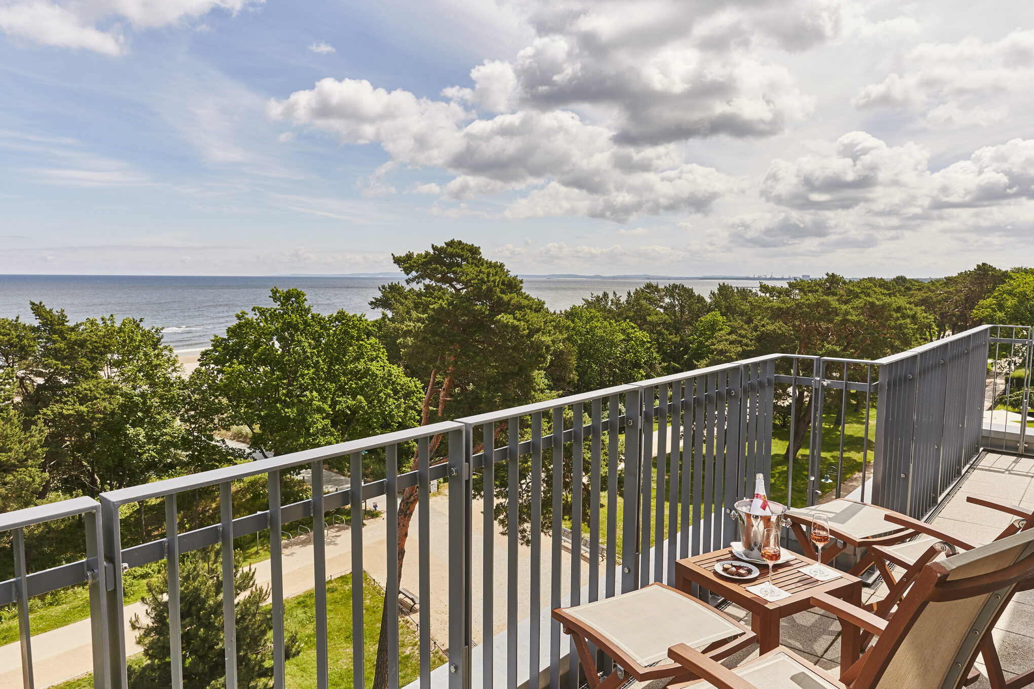Steigenberger Grandhotel & Spa Penthouse im Palais Wilhelm mit Blick auf die Ostsee