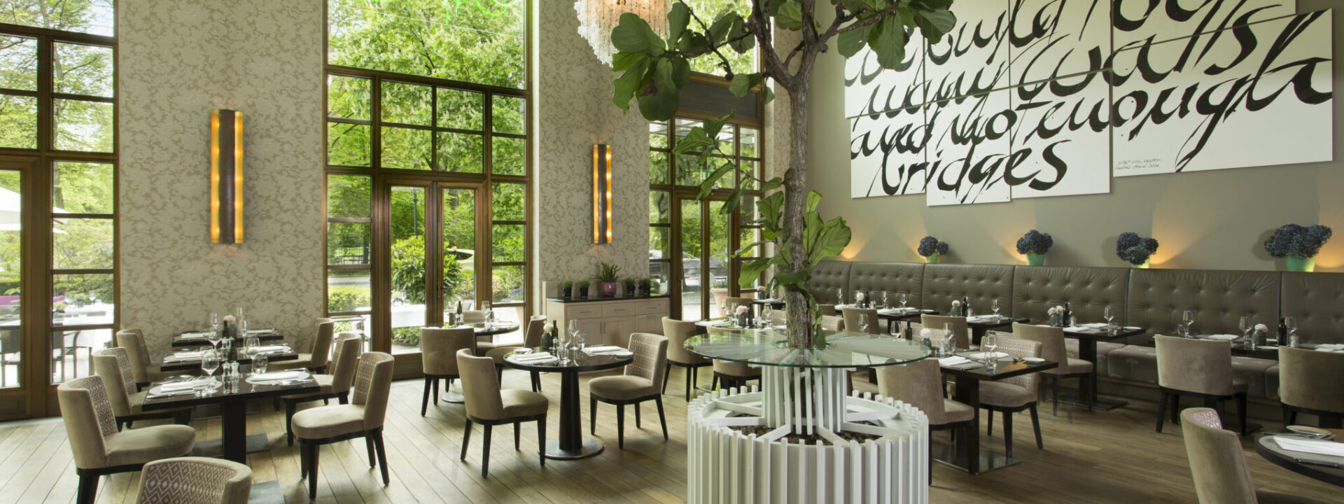 The Charles Hotel Rocco Forte Innenbereich des Sophia's Restaurant