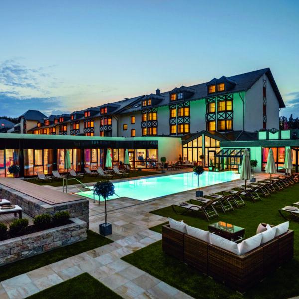 Land & Golf Hotel Stromberg Außenansicht